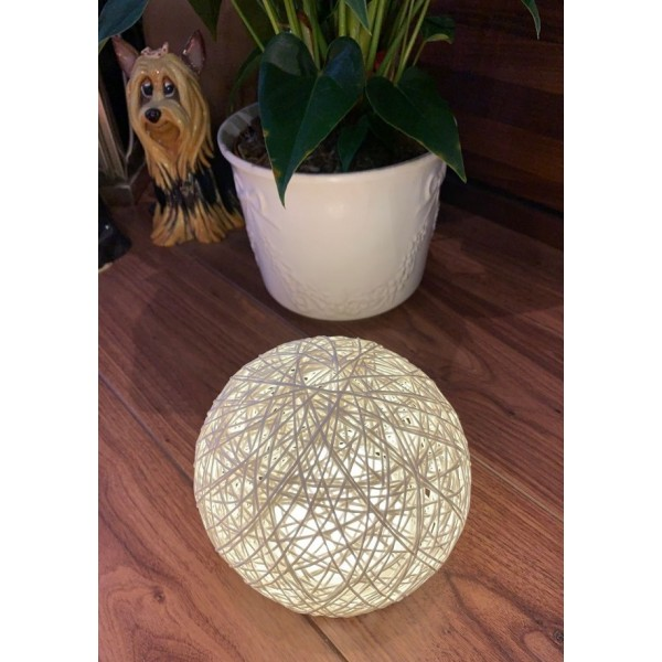 Rattan ball touch lamp - White
